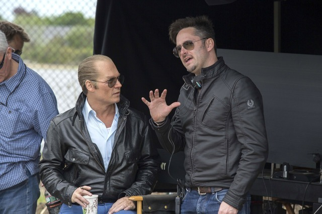 ジョニー・デップ&スコット・クーパー監督/『ブラック・スキャンダル』- (C) 2015 WARNER BROS. ENTERTAINMENT INC., CCP BLACK MASS FILM HOLDINGS, LLC, RATPAC ENTERTAINMENT, LLC AND RATPAC-DUNE ENTERTAINMENT LLC