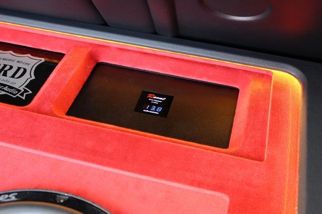 電源強化にも抜かりが無い。レギュレーターにはオーディオテクニカのAT-RX100をチョイス。レイアウトの一部にも取り入れている。