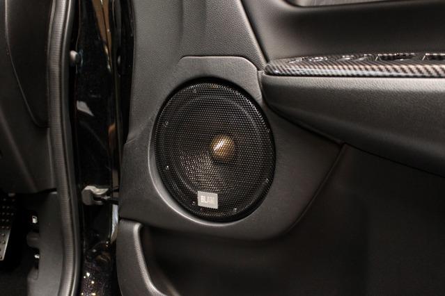 ミッドバスにはブラムのシグネーチャー・MultixシリーズのWS 6 Multixをチョイス。ブラムのハイエンドで3ウェイを構築。