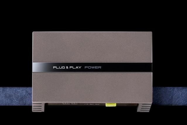 外部パアーアンプの一例(プラグ アンド プレイ・PLUG&PLAY POWER)。