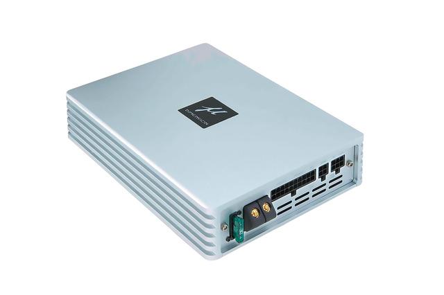 """""""パワーアンプ内蔵DSP""""の一例(ミューディメンション・DSP-680AMP)。"""