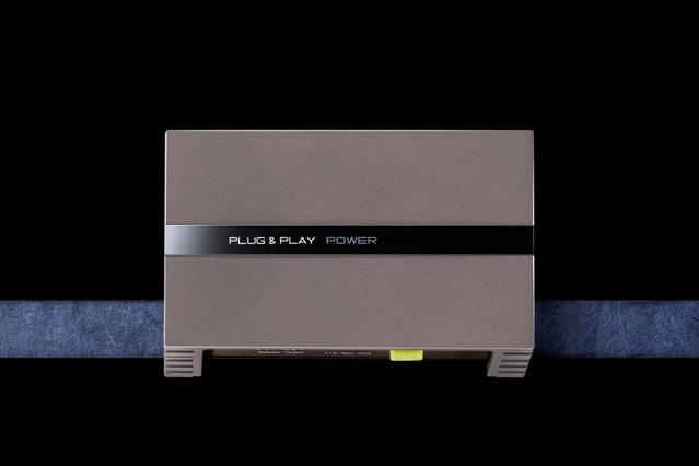 D級パワーアンプの一例(プラグアンドプレイ・PLUG&PLAY POWER)。