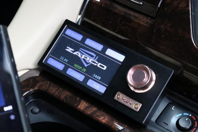 ザプコのDSPは音楽プレイヤー機能も備えているのがオーナーがセレクトした理由のひとつ。曲再生も手軽で使い勝手が良い。
