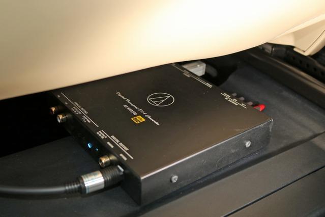 ウォークマンなどのUSB出力を光デジタルに変換するDDコンバーターとして用いているオーディオテクニカのAT-HRD500。