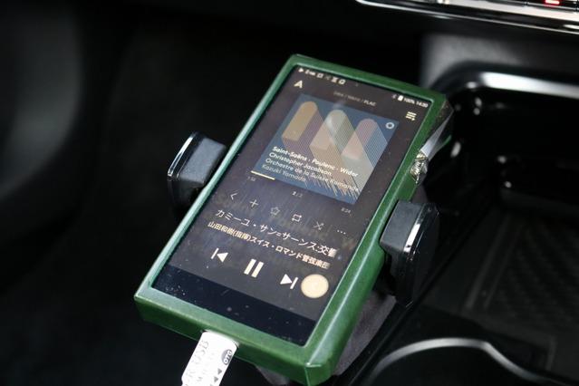 DAPには高音質で定評のあるAKのSP2000をシステム。オーディオコンペまでを視野に入れた高音質再生にこだわった。