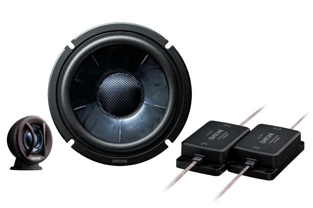 「バイアンプ接続」に対応した「パッシブ」を付属する市販スピーカーの一例(ダイヤトーン・DS-G400)。