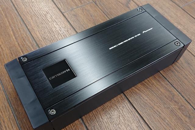 今回チョイスしたパワーアンプはカロッツェリアPRS-D800