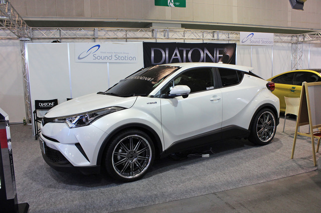 TOYOTA・C-HR by Av Kansai