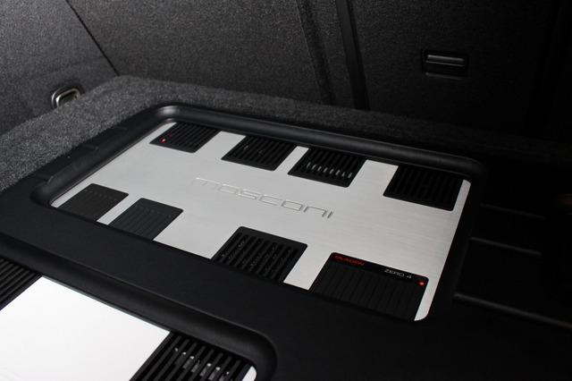 もう一台のパワーアンプであるモスコニのZERO4はフロント2ウェイをドライブ。大小2台のアンプを組み合わせたデザインも秀逸。