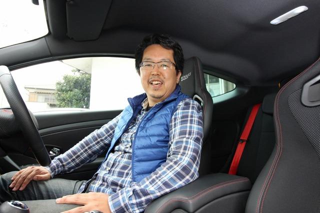 ベテランオーナーである日高さんが、あえてライトなシステムを組んだメガーヌ。クルマ&オーディオの両面で満足感が高い。