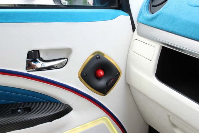 高域用のスピーカーとしてはサーウィンベガのホーントゥイーター・CVMP1.0を採用。なりっぷりの良さが身上のユニットだ。