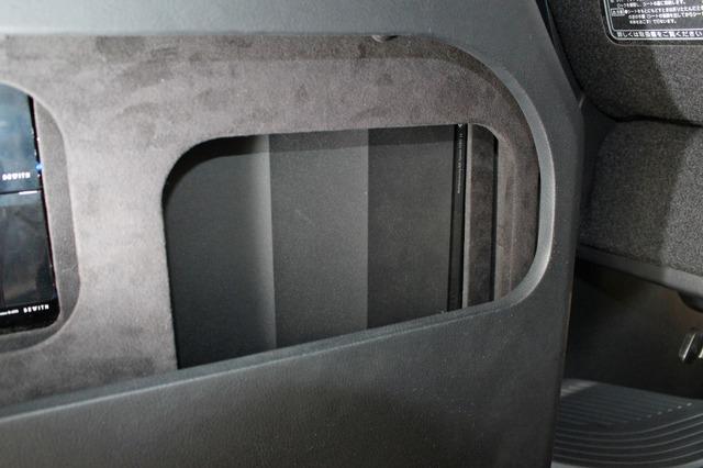 プロセッサーにはビーウィズのSTATE A6をチョイス。ボードの前方にビルトインされている。