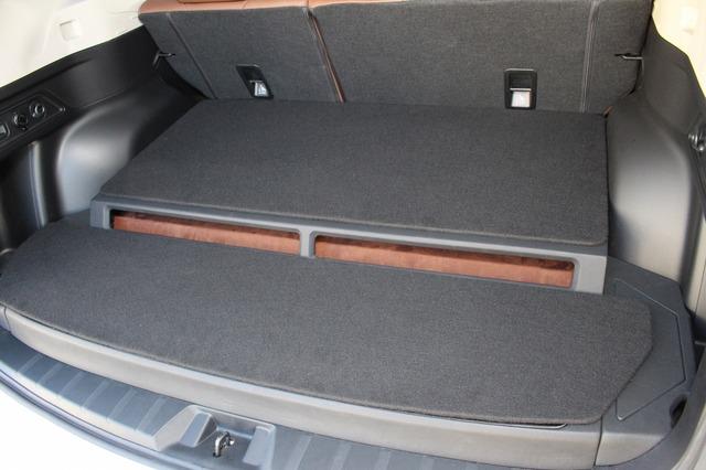 カバーを施せばすべてのユニットを隠すことができる。移動時にちょっとした荷物を載せることも可能だ。