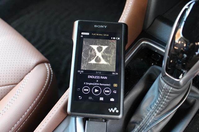 ハイレゾ音源などを再生する場合にはDAP(ソニーのウォークマン)を用いる。サラ・オレイン、上白石萌音などがお気に入り。