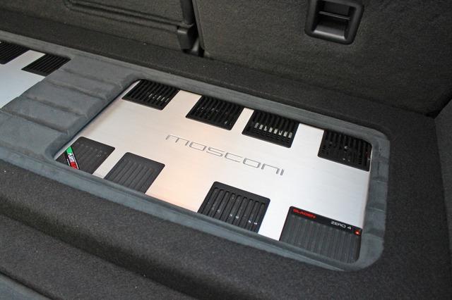 モスコニのZERO4を2台使うシステムデザイン。もともとオーナーはモスコニの音が好きでチョイスした。