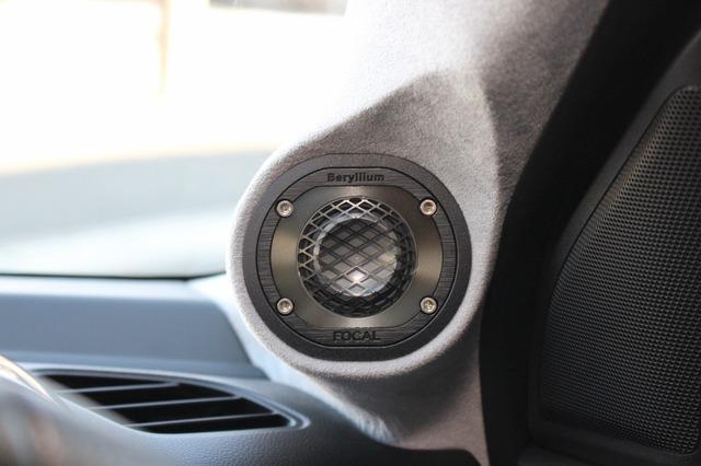 ピラーの周辺デザインもしっかり加工を施してサウンド的にも考慮されたAピラー。オーナーお気に入りのサウンドを引き出した。