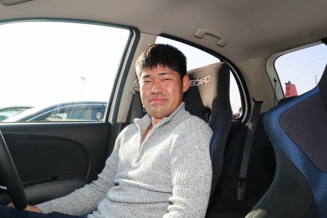 スポーティな走りと高音質を同時に手に入れたオーナーの上田さん。個性的なシステムデザインもお気に入りとなった。