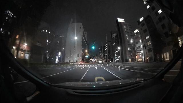 高性能なイメージセンサーにより撮影された夜間シーンの一例。