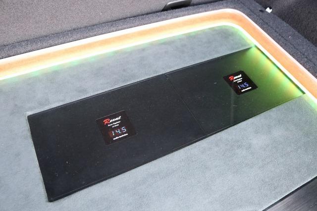 オーディオテクニカのレグザットブランドが用意するパワーレギュレーターを2台投入。電源系の強化で音質をアップする。